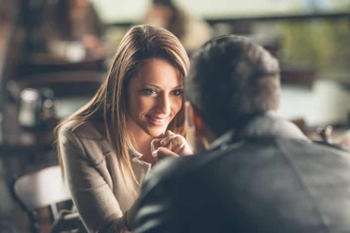 Körpersprache flirten lernen
