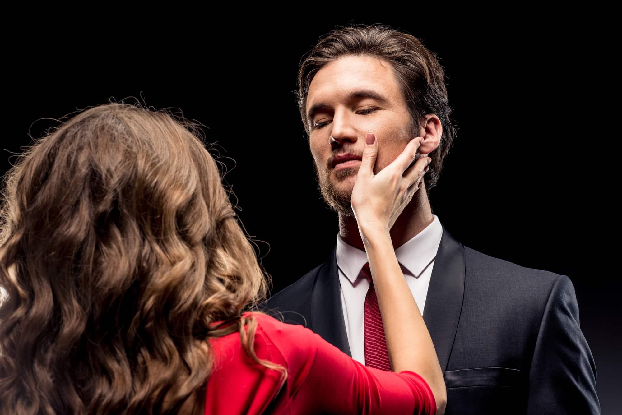 Wie man das Gespräch mit dem Kerl, den Sie re dating Einsame Herz-Dating-Website