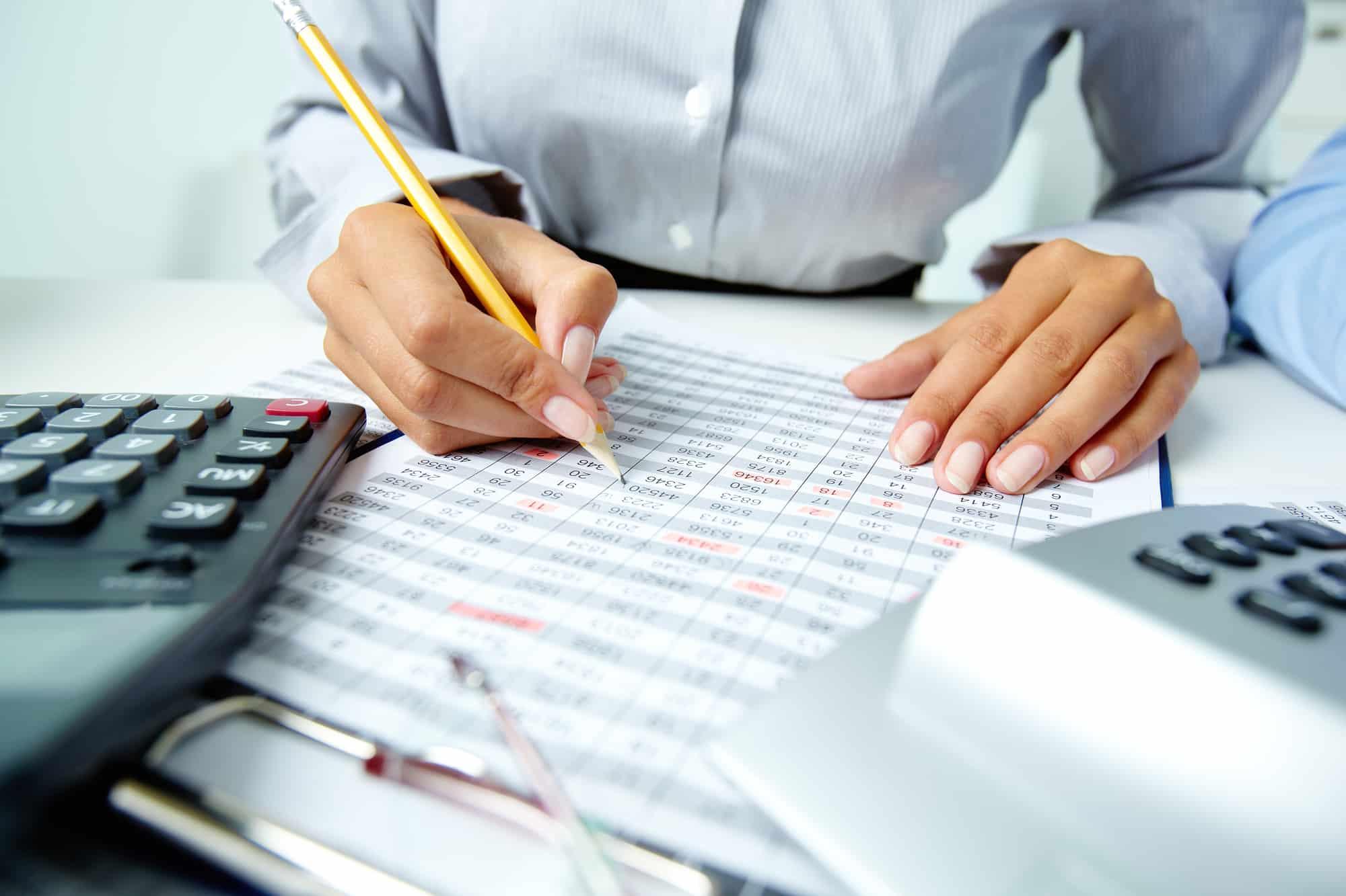 Weiterbildung in der Buchhaltung: 6 potenzielle Jobs & 4 Möglichkeiten