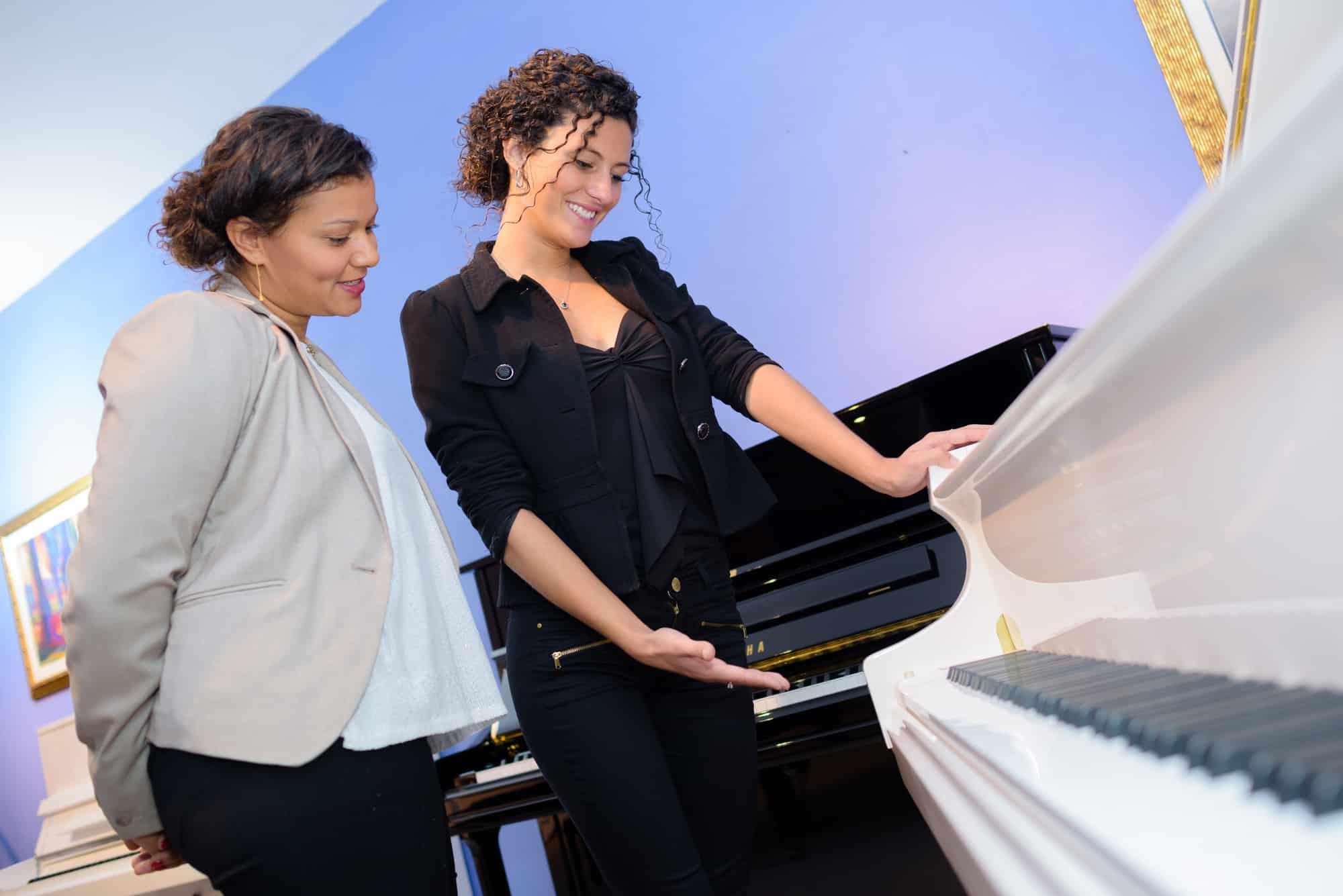 Klavier kaufen: 4 Arten + 7 Tipps zur Auswahl