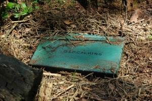 Geocaching-Behaelter-Kennzeichnung-depo