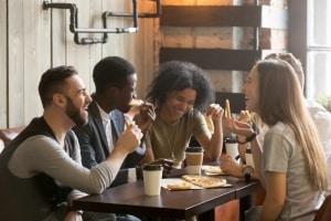 Extrovertiert-Vorteile-Kontake-Knüpfen-Freunde-shutter